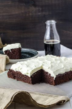 Schwarzbier Kuchen Mit Frischkase Topping Backen