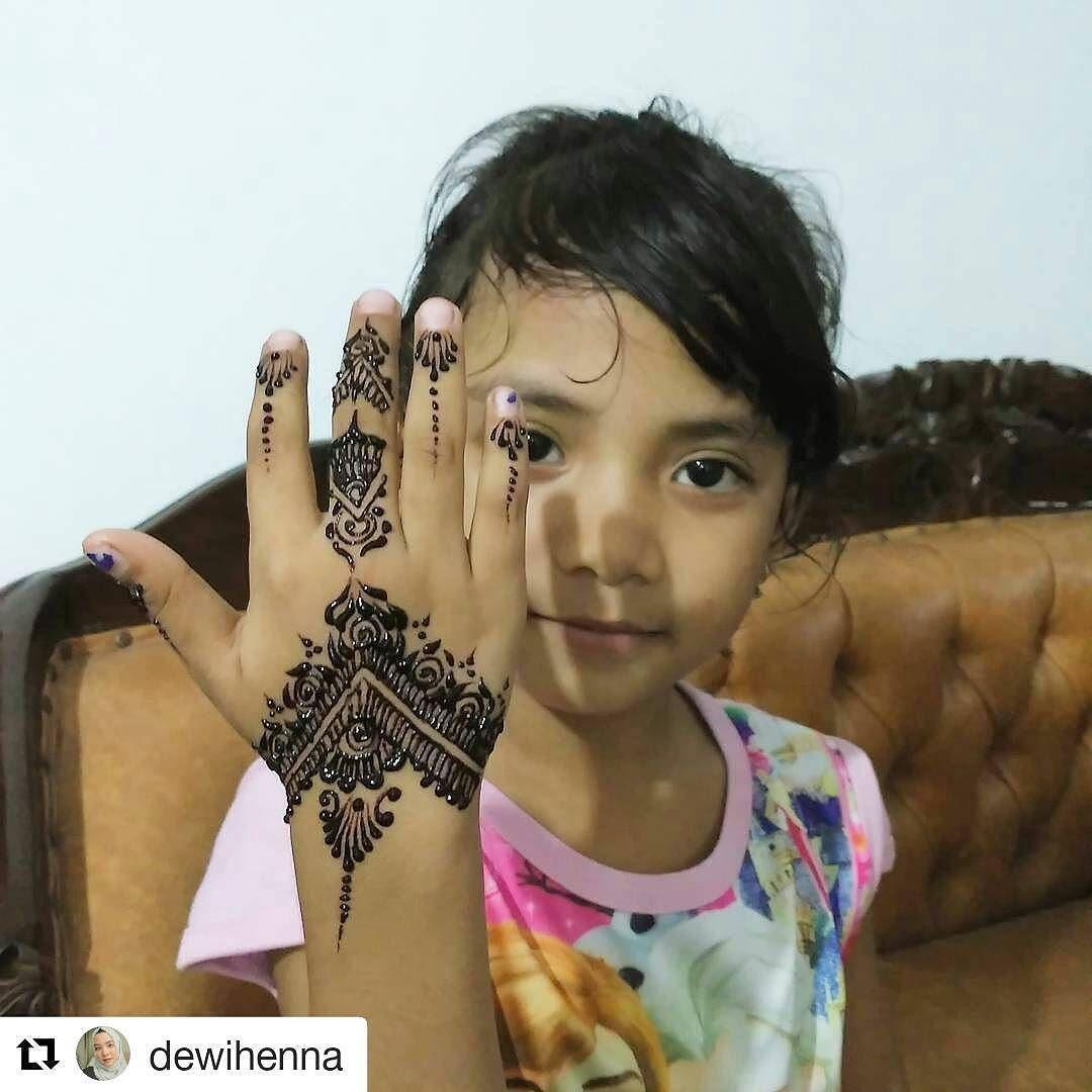 #followus@hennafamily#hennafamily #Repost @dewihenna   #dewihenna #henna#mehendi#artcrazy#tattoo #kids #handhenna #simplehenna