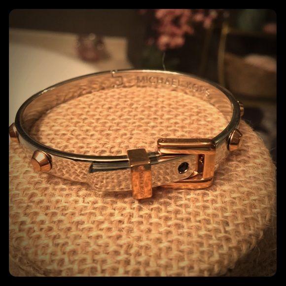 Belt Bracelet Worn once. Comes with jewelry bag. Michael Kors Jewelry Bracelets