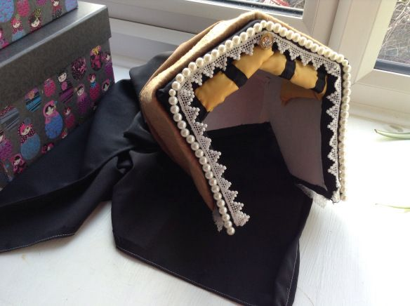How to make a Tudor Hat in seven steps, by Anne Boleyn | Yore History