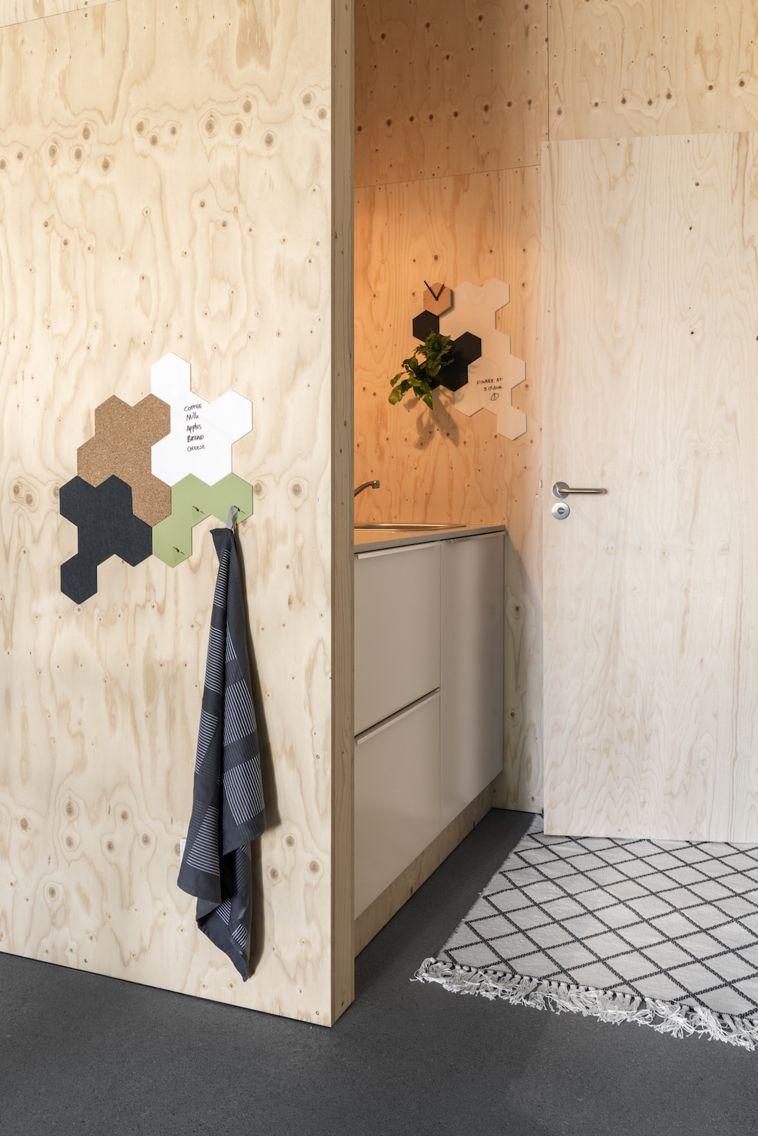 Valence #spiegel #brons #handdoek #haak #groen en #prikbord #kurk ...