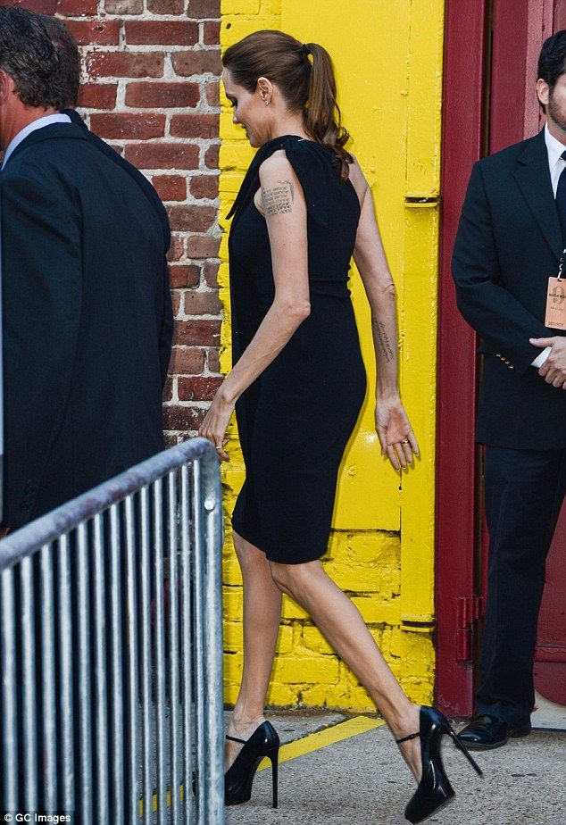 Angelina Jolie Supports Partner Brad Pitts Charity Make It Right