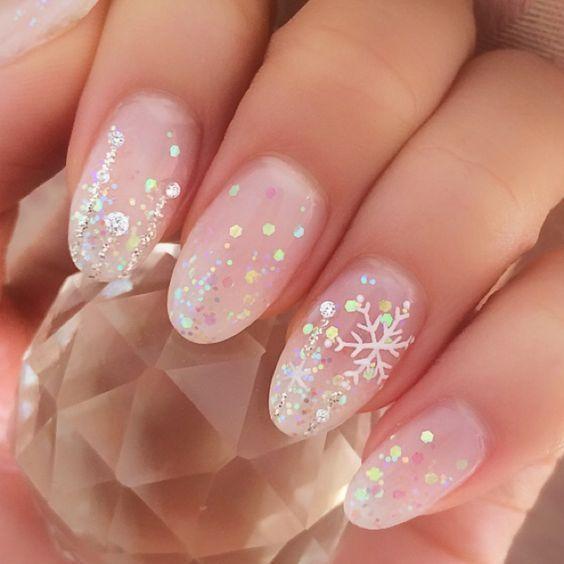 Photo of 47 erstaunliche Schneeflocke Nail Art Designs für Weihnachten und Winterurlaub#… – Glitter acrylic nails – HacikoBlog