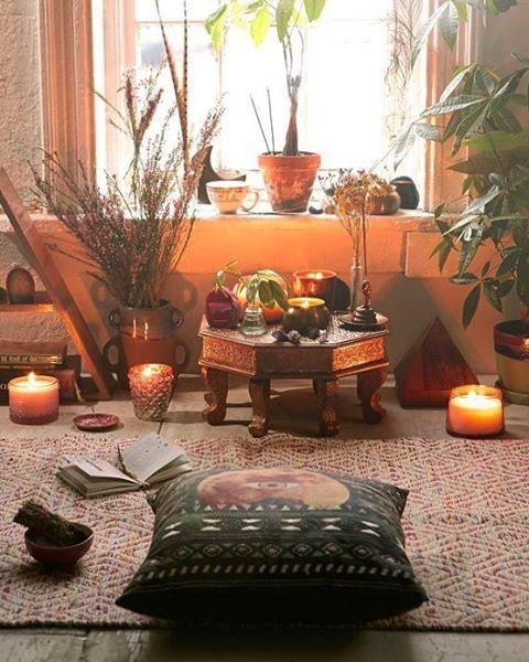 pin von rachel walen auf yoga decor pinterest raum meditation und wohnen. Black Bedroom Furniture Sets. Home Design Ideas