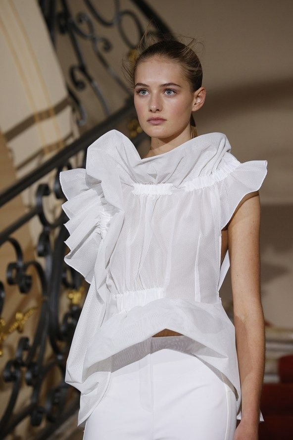 Viktor & Rolf womenswear, spring/summer 2015, Paris Fashion Week. OMG that blouse.