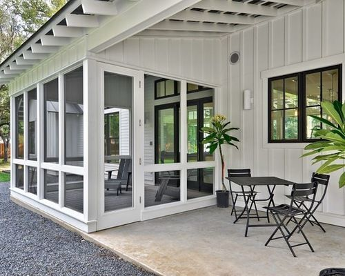 Modern farmhouse sunroom and patio space outside for Farmhouse sunroom ideas