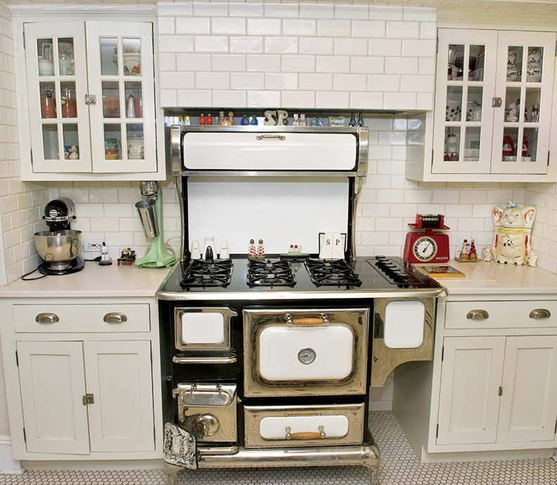 A Collectors Kitchen Makeover – 1920s Kitchens