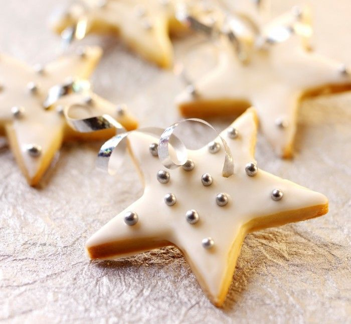 These would be good any time of the year.  Everyone loves shortbread!  Festive Shortbread Biscuits