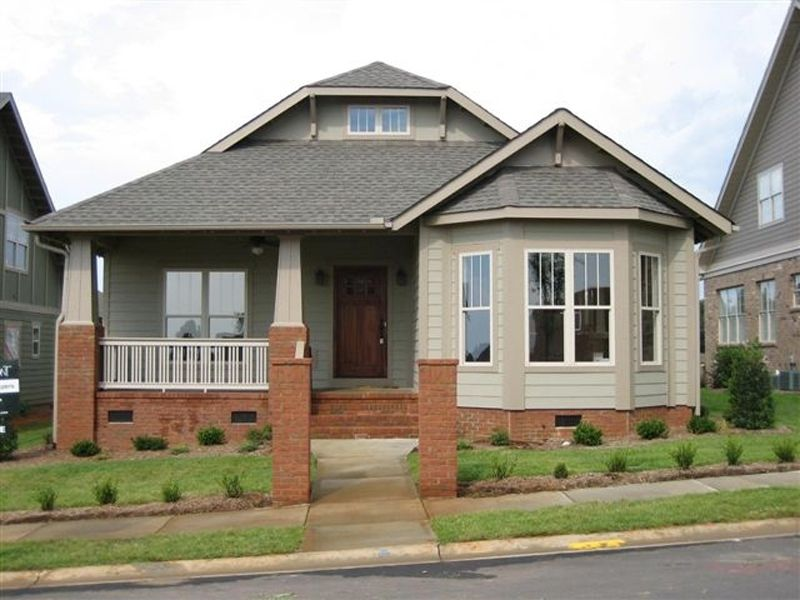 Craftsman Home With Bay Window