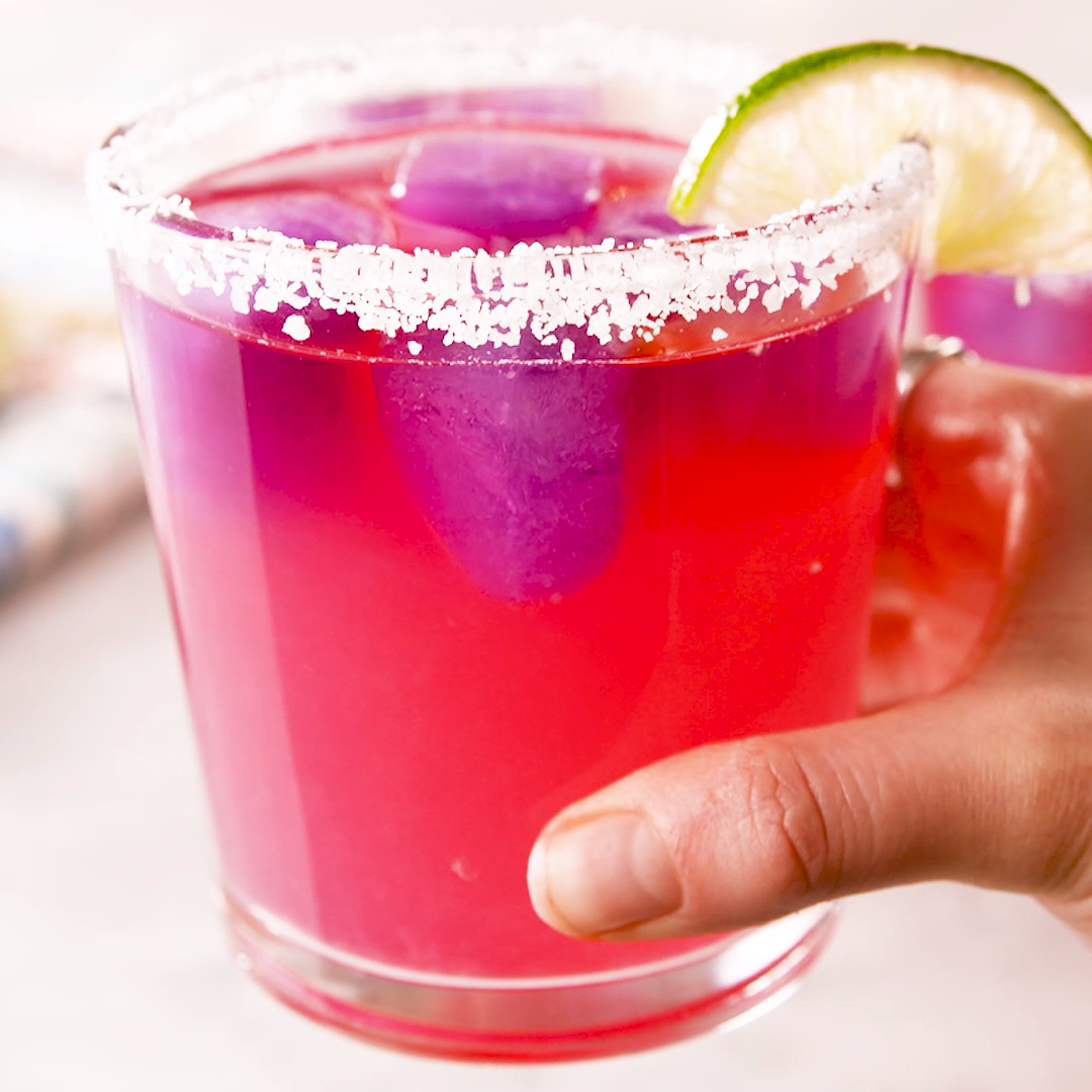 Color Changing Margarita #cocktails