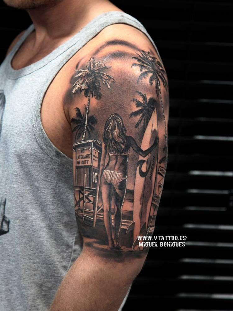 Surfista De Estilo Black And Grey En El Brazo Izquierdo Tattoo