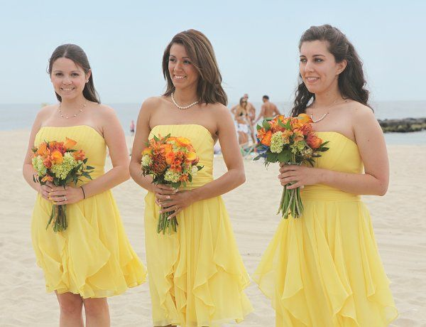 Beach Green Orange Yellow Bouquet Chiffon Ruffles Short Strapless Summer Beach Wedding Bridesmaid Dresses Beach Wedding Bridesmaids Wedding Bridesmaid Dresses
