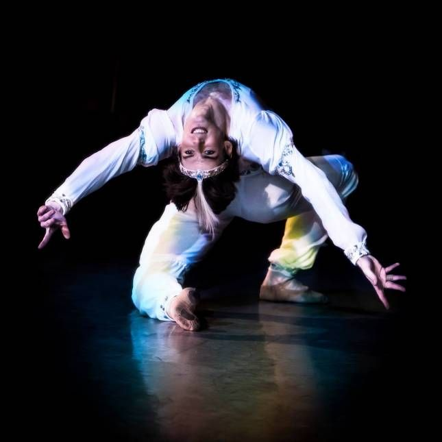 "Anastasia Matvienko as ""Gamzatti"" and Vladimir Shklyarov as ""Solor"", ""La Bayadere"", Mariinsky Ballet (2014)"