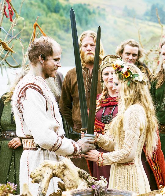 The Queen is dead... Viking wedding dress, Nordic wedding