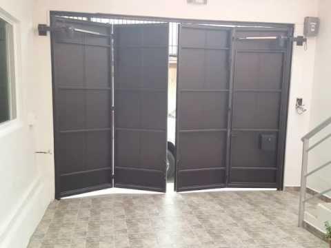 Puerta plegadiza hacia afuera 4 m dulos youtube for Puertas que abren hacia afuera
