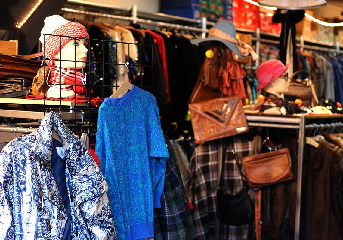 Best Vintage Clothing Shopping In Amsterdam Kilo Shop Amsterdam Shopping Vintage Clothes Shop Shopping Outfit