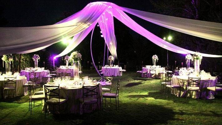 Adornos para bodas en jardin de noche 3 decoracion para for Decoracion fiesta jardin noche