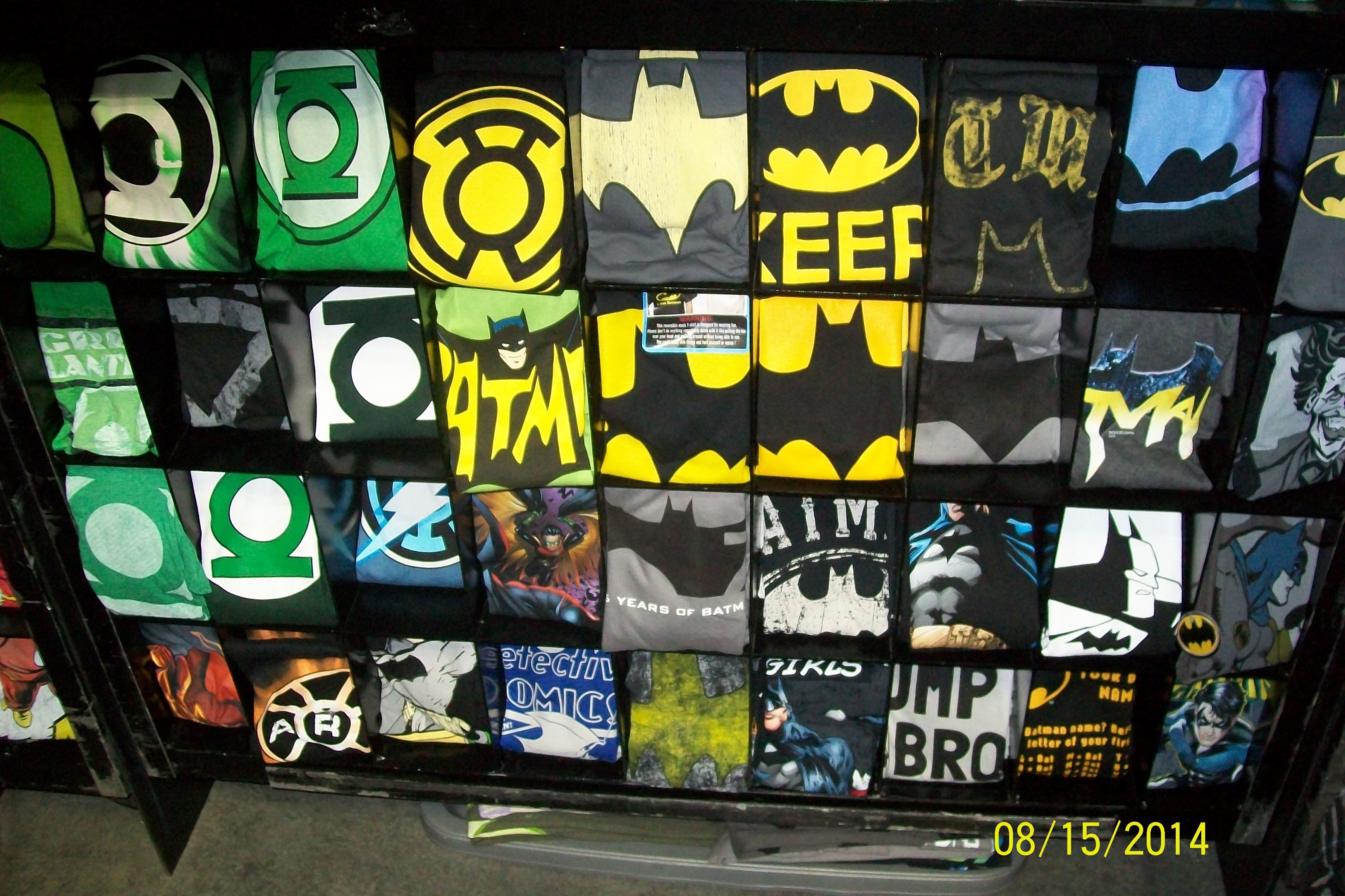 Stylinonline.com booth......T-shirts and stuff......these were Batman and Green Lantern......