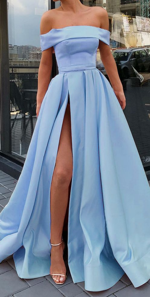 A-Line Off-the-Shoulder Prom Dress | US$ 138.00