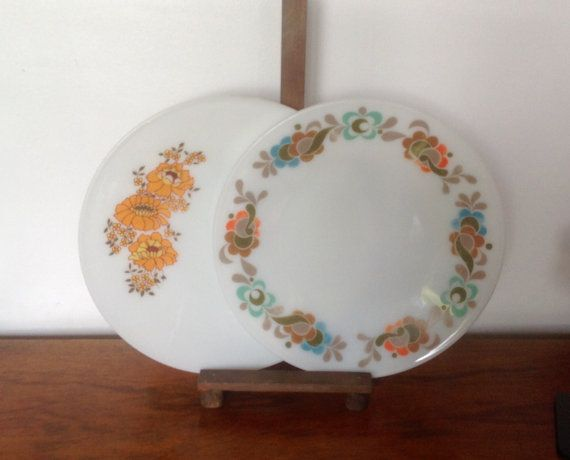 Your Place To Buy And Sell All Things Handmade Pyrex Vintage Pyrex Glass Dinner Plates