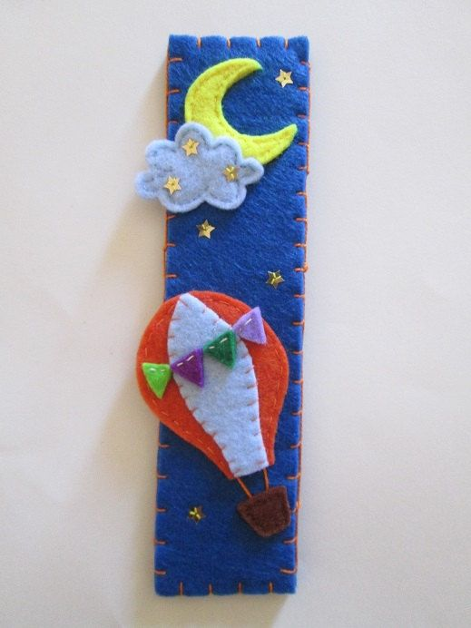 Felt bookmark: Hot-air ballon - Night Sky - Birthday Gift - di TinyFeltHeart su Etsy