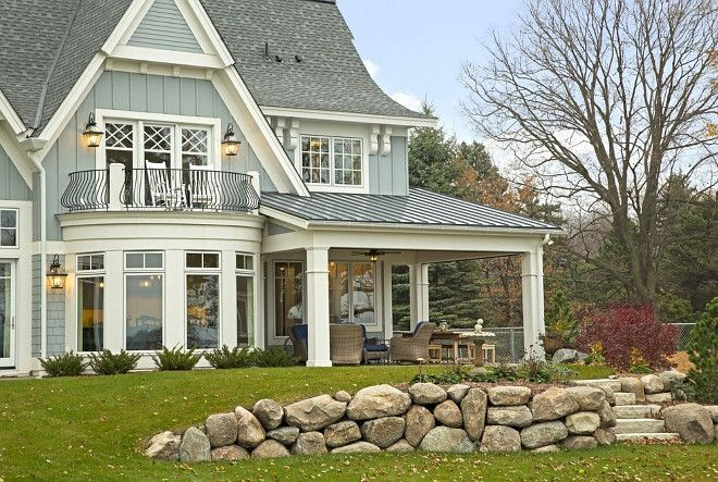 like the metal roof vertical siding interior beams and on lake house color schemes id=35294