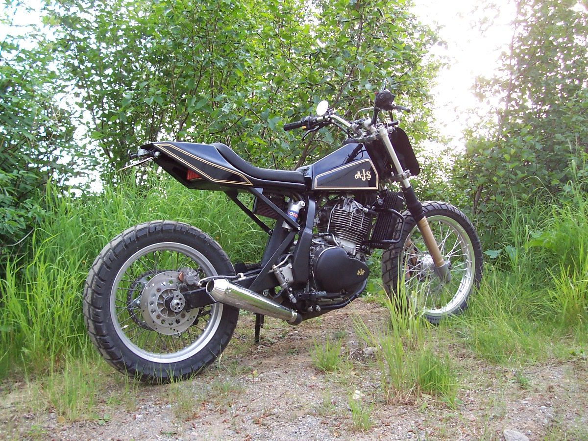 suzuki dr 650 tracker everything is better with. Black Bedroom Furniture Sets. Home Design Ideas