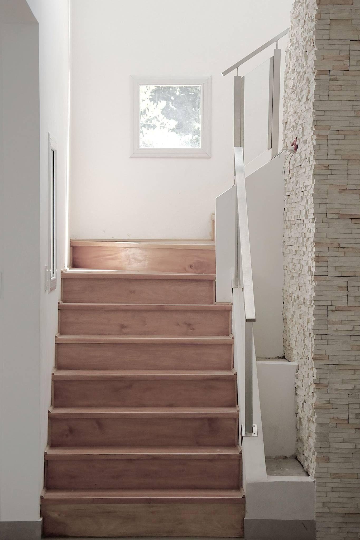 Escalera de estructura met lica y escalones de madera - Viviendas de acero ...