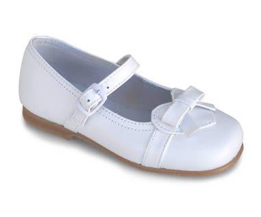 Chaussures Noires Avec Des Enfants Boucle De Platine 9jZQSh