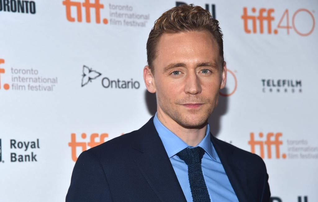 "Torrilla on Twitter: ""#TomHiddleston #TIFF15 #ISawTheLight http://t.co/KDrYx9mHTj"""