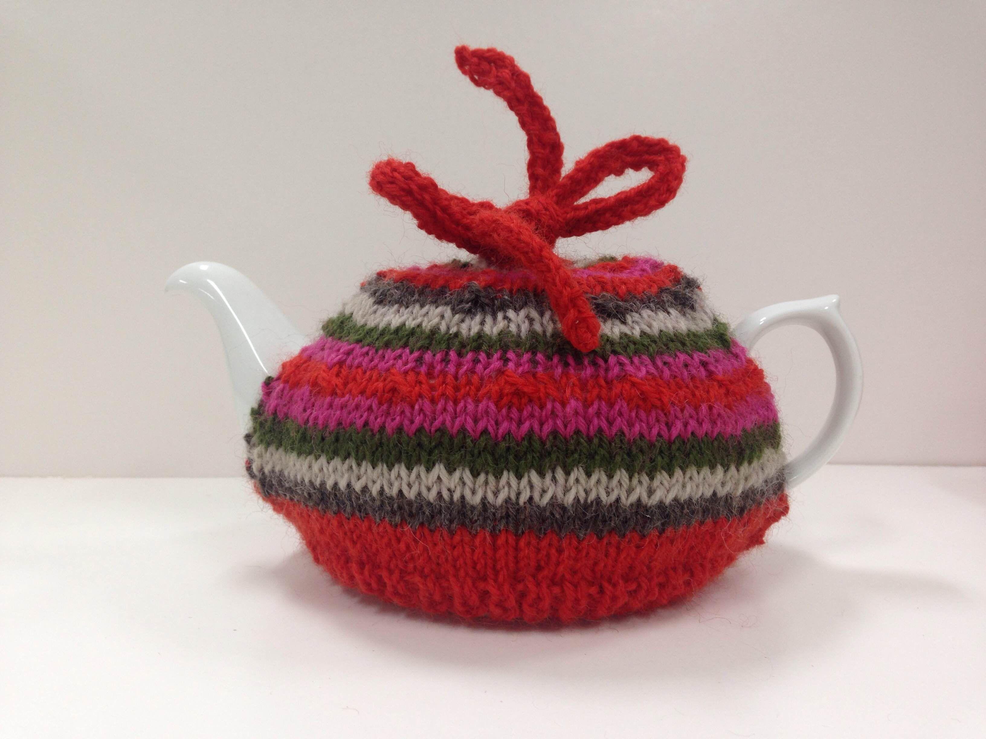 GET COSY - FREE TEA COSY PATTERN | Tea cosy knitting ...