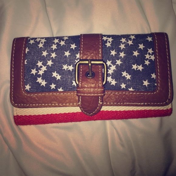 America Theme Wallet from Claire's Brand New. Super trendy and stylish! No tears or stains. Bought from Claire's. From a smoke free home. Leave any comments if you have any questions!:) Claire's Bags Wallets