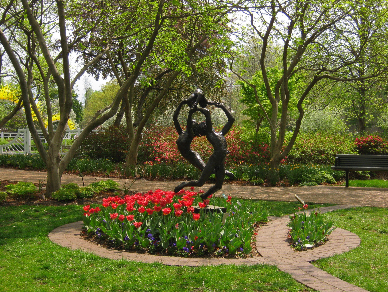 man woman child | Missouri Botanical Gardens | Pinterest | Missouri ...