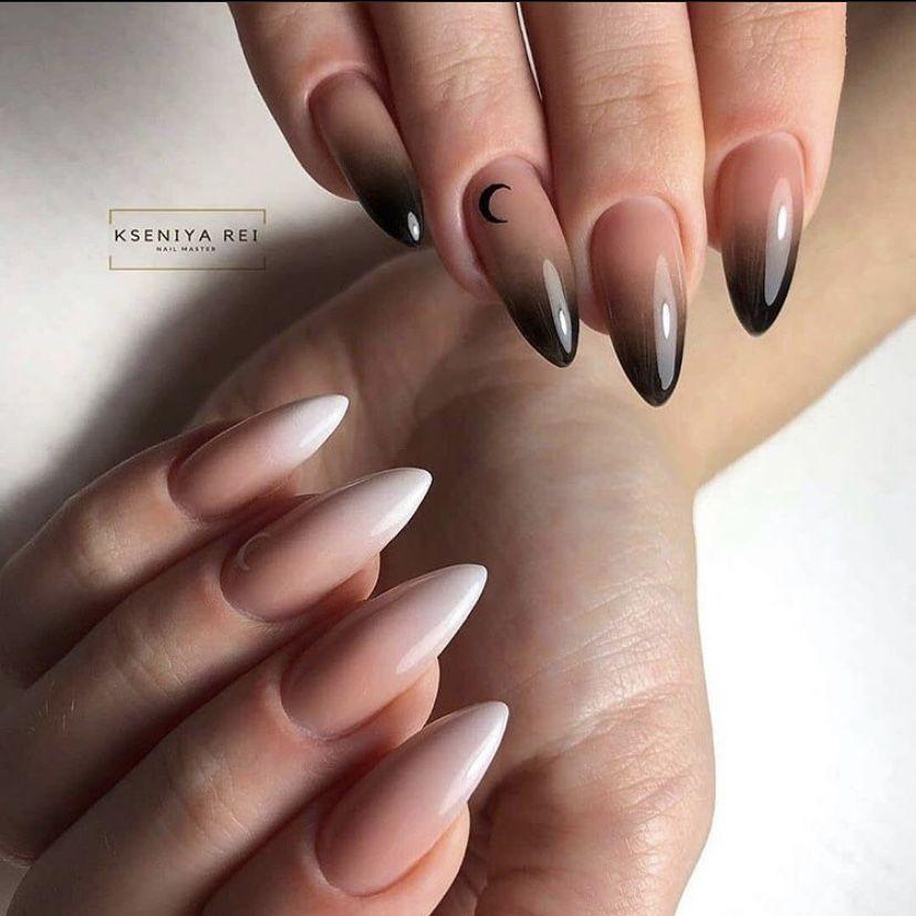Abstract Negative space nail design | Ongles en acrylique