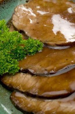 How To Thicken Gravy Without Using Cornstarch Or Flour Roast Beef Gravy Pot Roast Gravy Homemade Gravy