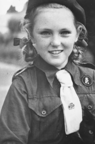 Berrymania Bingo Wings And Why I Ve Gone Off Cake As Warm And Irresistible As A Freshly Baked Scone Mary Berry S Extraordinary Life Story In Her Own Words Mary Berry Girl Guides