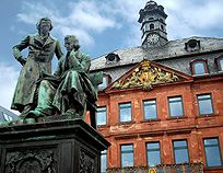 Borthers Grimm Statue in Hanau and the old Rathaus, beginning of the Grimm Trail