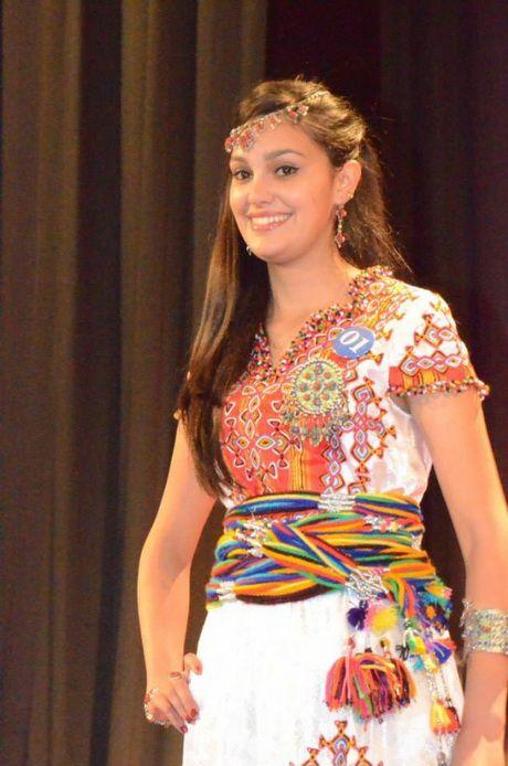photo robe kabyle 2016 beaut des femmes en 2018 pinterest robe kabyle et robe kabyle moderne. Black Bedroom Furniture Sets. Home Design Ideas