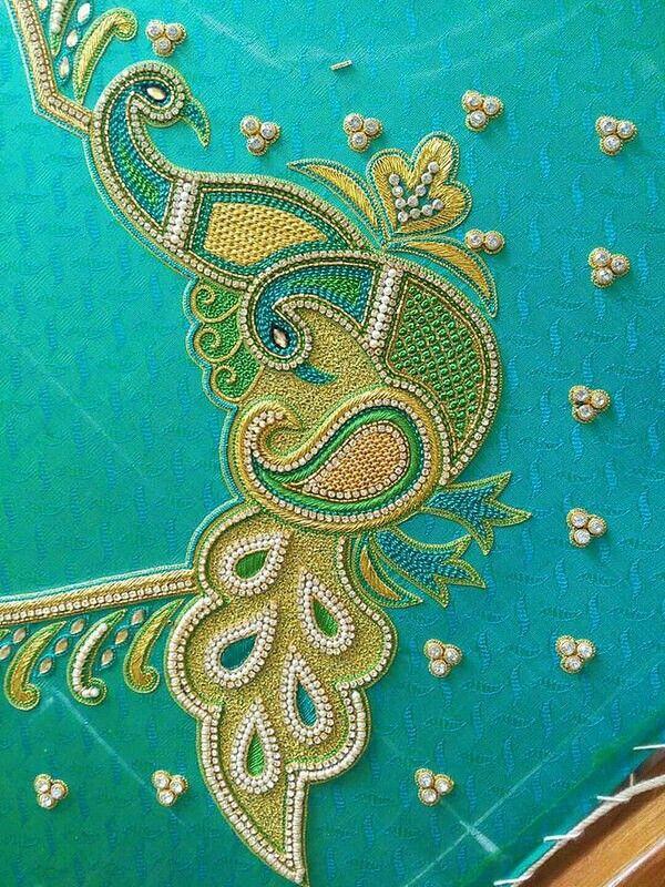 43fa0fd0ad25e8 Aari Embroidery · Embroidery Works · Goldwork Peacock Blouse Designs