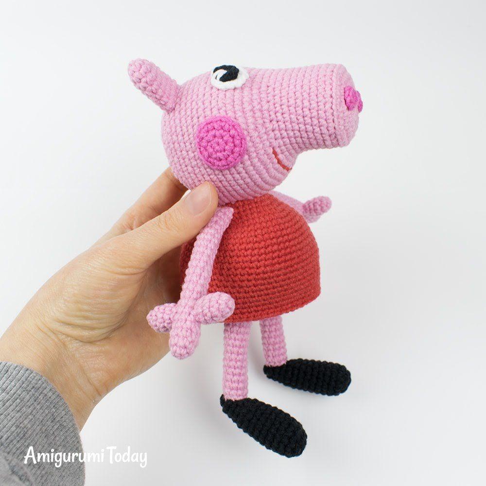 Tutorial Peppa Pig Amigurumi en Español | Lanas y Ovillos - YouTube | 1000x1000