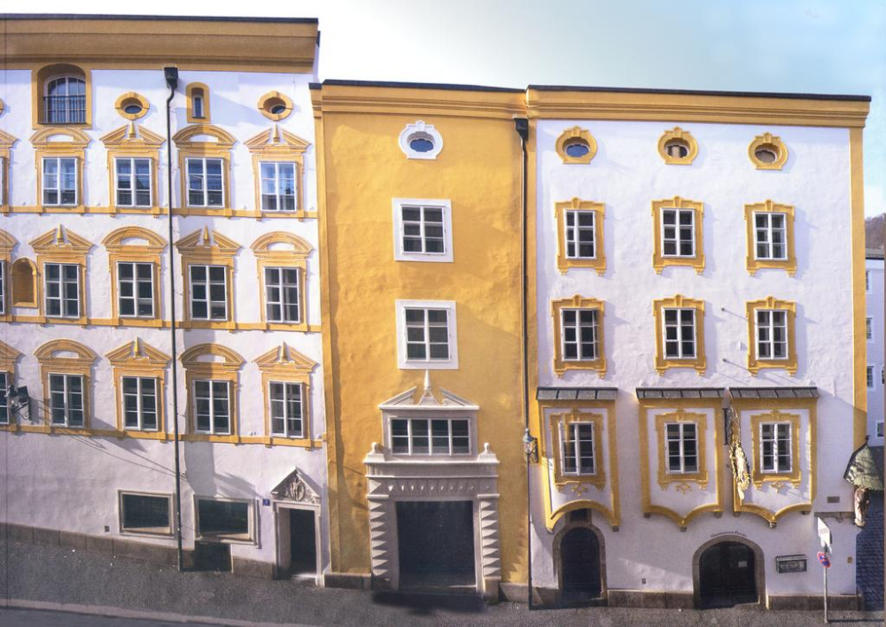 Zimmer mit französischem Bett im B&B Hotel Passau