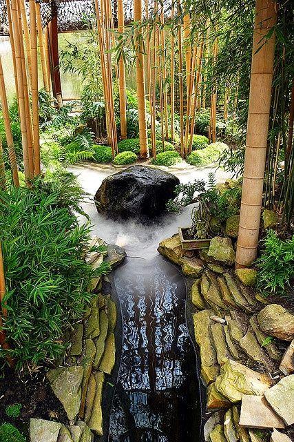 33 Calm and Peaceful Zen Garden Designs to Embrace - cascada de pared
