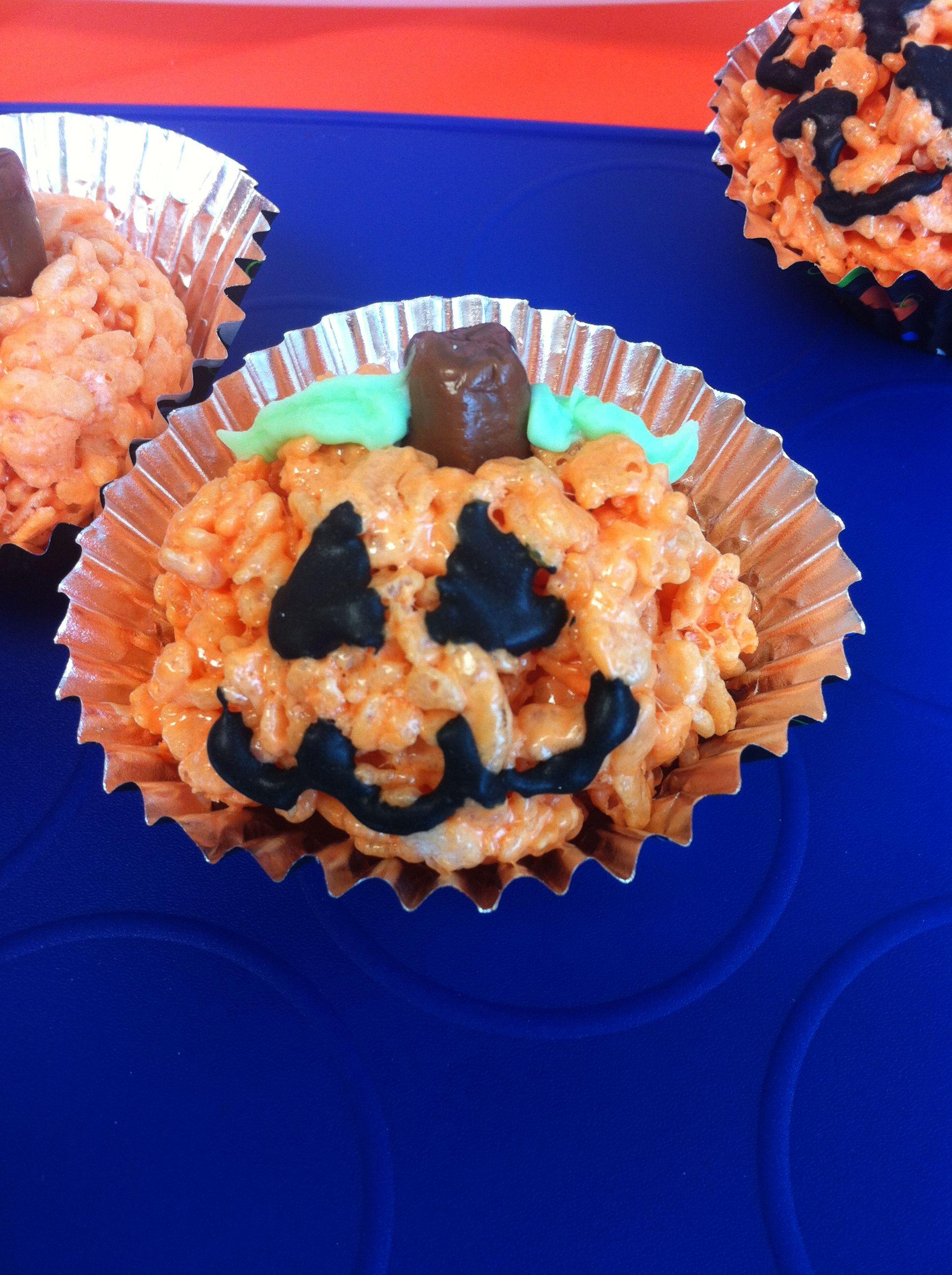 My attempt at Krispy Jack-o-lanterns!