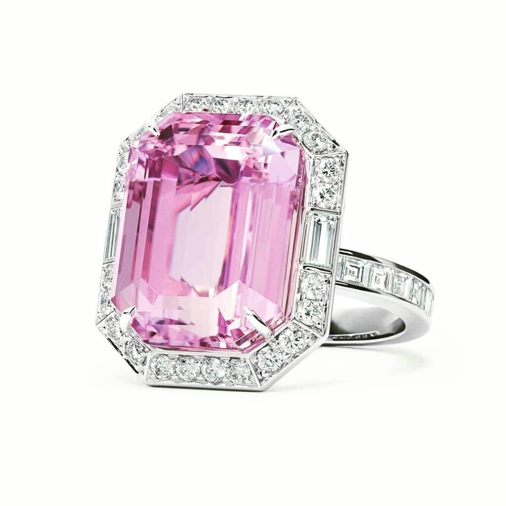 TIFFANY & CO-- 16-carat Kunzite Ring | ♡Bijoux @ Jóias @ Gioielli ...