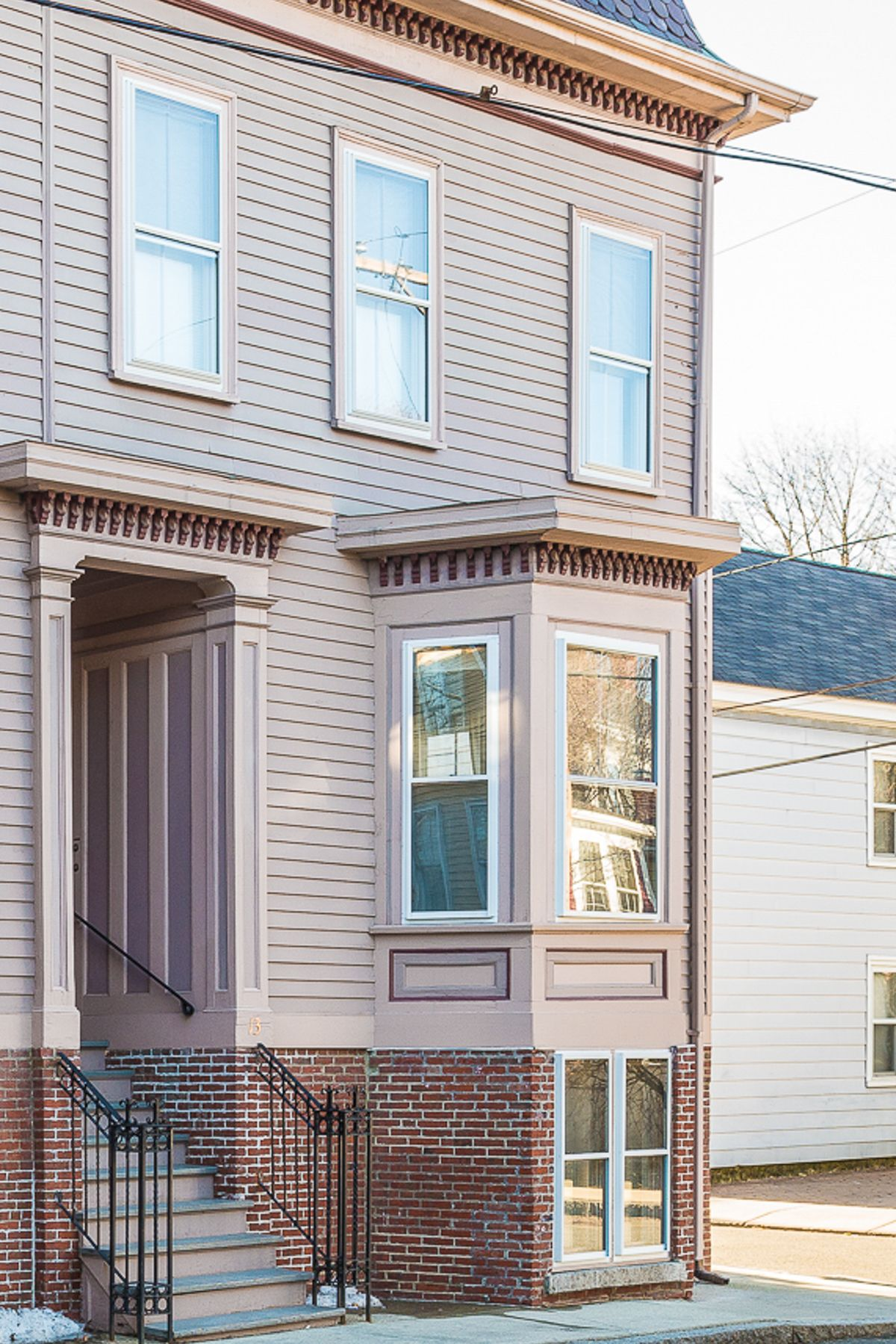 SOLD: 13 North Pine Street Unit 7, Salem, MA, 01970, $274,900; ove right into this bright and sunny 2 BR 1.5 bath home in Salem's world renown McIntire District. The updated kitchen with eat-at breakfast bar opens to a sun filled dining room with a private deck. This corner unit also features high ceilings, hardwood floors, exposed brick, large windows and in-unit laundry. You will appreciate the character, detail and workmanship in this unit. Location, lifestyle and parking.