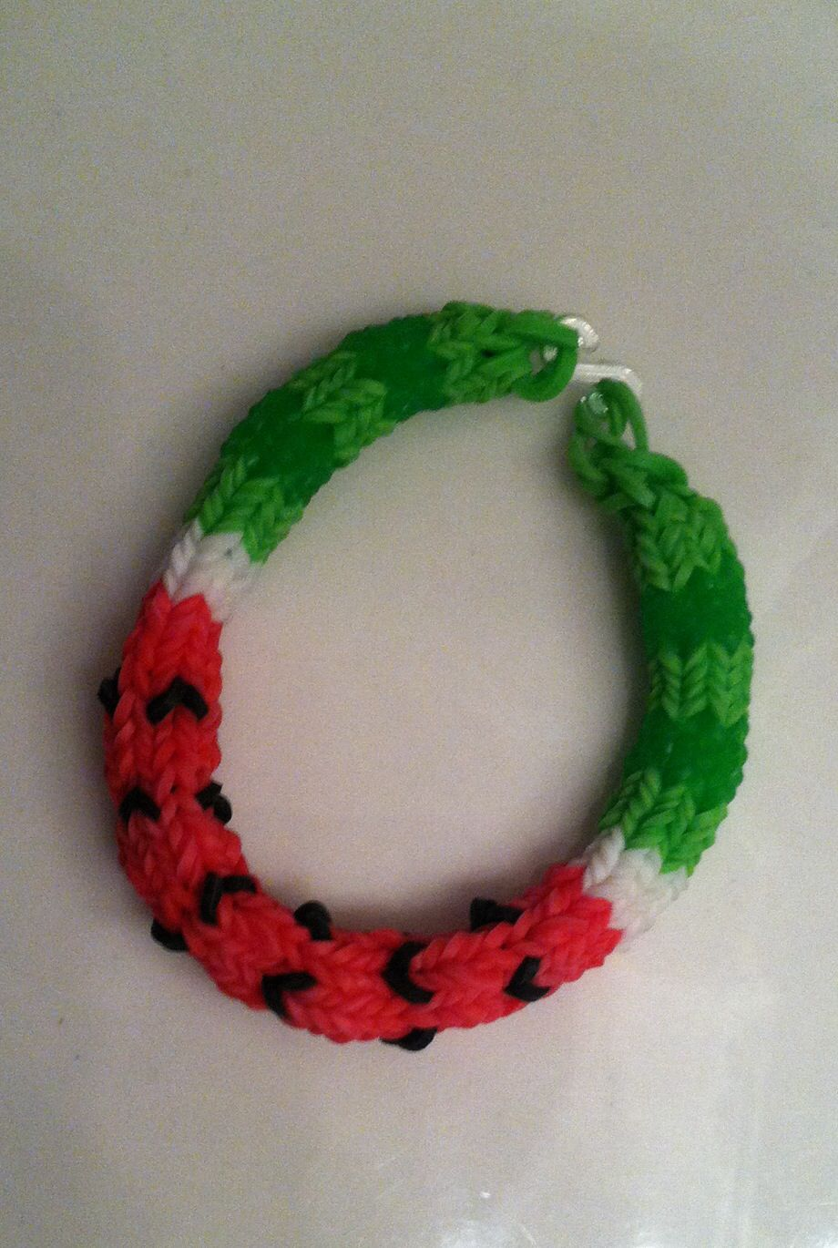 Rainbow Loom WATERMELON HEXAFISH. Designed by Lisa M ...