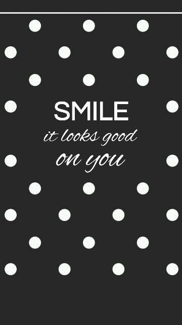 Smile It Looks Good On You Wallpaper Quotes Wallpaper Iphone Quotes Quotes White