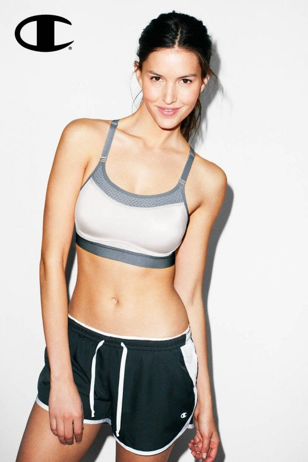 0ac654d15c The Show-Off Sports Bra by Champion features sleek concealing technology  for modesty