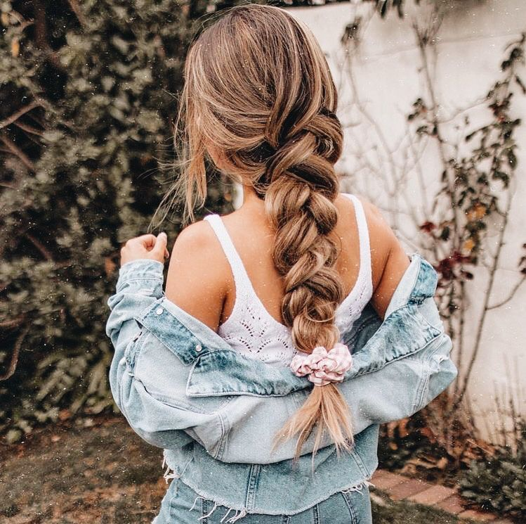 Pretty Girls Hair Ideas To Do For Outside Or Town In 2020 Hair Styles Hair Up Styles Cute Hairstyles