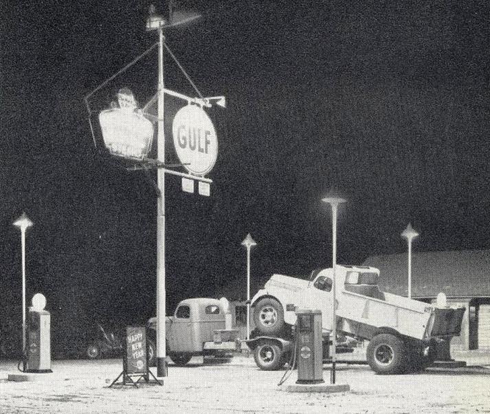 ih gulf harrisburg gas pumps vintage trucks and cars. Black Bedroom Furniture Sets. Home Design Ideas